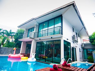 Vichy Villa # 2: New 6 bed Pattaya Luxury villa