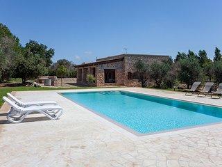Villa Salentina con piscina vicina al mare m250