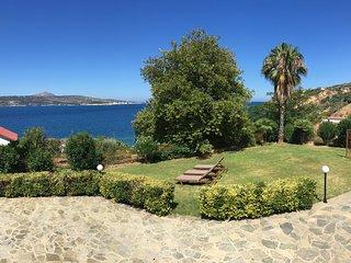 Ruhige, große Villa mit Meerblick - Strand nach 100 m