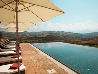 Montecchio Villa Sleeps 16 with Pool and Air Con