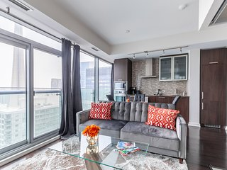 Simply Comfort. Stunning CN Tower View Luxury Condo