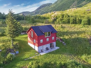 Amazing home in Sortland w/ Sauna, WiFi and 3 Bedrooms
