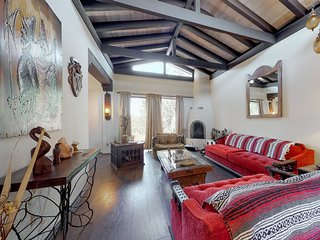 Beautifully decorated house w/incredible mountain views!