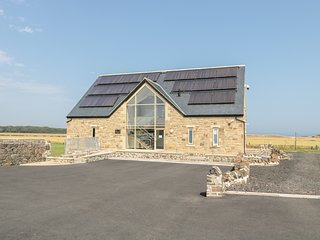 MILL VIEW, open-plan living, swimming pool on-site, Northumberland Coast AONB