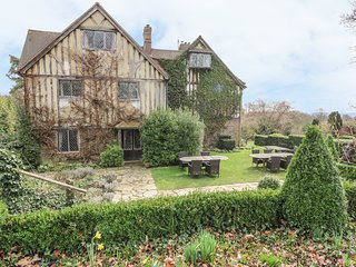 HOATH HOUSE large manor house, seven bedrooms, extensive grounds in Edenbridge