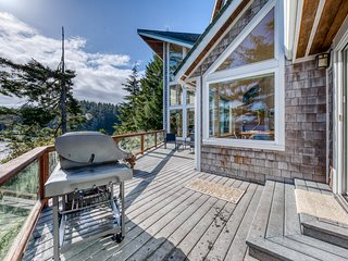 Beautiful, waterfront home w/ great views & a private dock - dogs welcome!