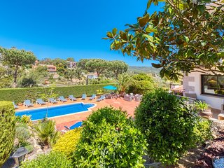 Lloret de Mar Villa Sleeps 22 with Pool and WiFi - 5245384