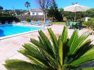 Lloret de Mar Villa Sleeps 8 with Pool and WiFi - 5245419