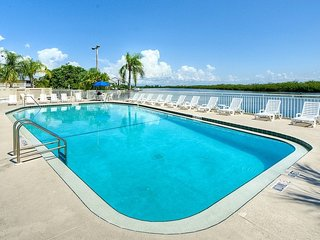 Townhome at a Resort with a PRIVATE BEACH | 3 Pools, 5 Tennis Courts, 2 Gyms