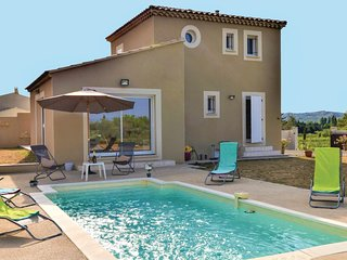 Stunning home in Barbentane w/ Outdoor swimming pool, WiFi and Outdoor swimming