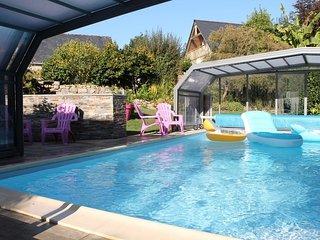 maison/gite avec piscine chauffée et couverte