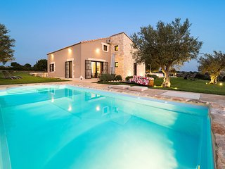 2 bedroom Villa with Pool, Air Con and WiFi - 5781451