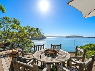 Cape Mackerel Cabin with Magic Palm Beach and Pittwater Views (Sydney)