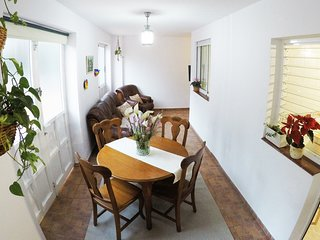 EuroRental Apartment with WiFi and Private Parking
