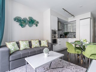 SimplyComfort. Green Modern 1bd in Downtown. 40 Floor