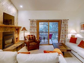 Mid Season/Spring Ski Sale! Free Shuttle, Secluded Complex on Mtn, Sauna, Grill,