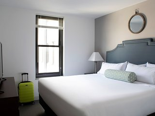 Brilliant Stay Alfred at Market City Center