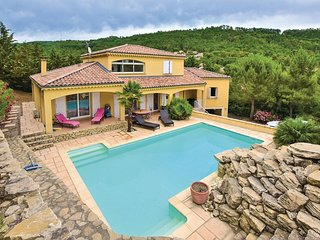 Awesome home in Puy Saint Martin w/ Outdoor swimming pool, WiFi and Outdoor swim