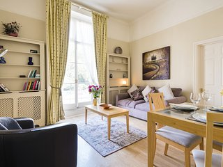 Charming Victoria Home close to Buckingham Palace by UnderTheDoormat