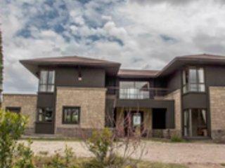 Villa in the Wild, Mount Kenya Wildlife Estate #48, vacation rental in Laikipia County