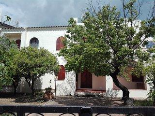 Villa teocles