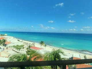 Cancun Newly Renovated Penthouse Ocean View