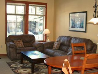 Fabulous 1 Bedroom + Den, Eagle Springs East #103 at Solitude Ski Resort