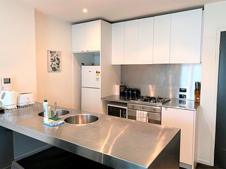 Readyset on Collins I 2 bedroom Apartment D6