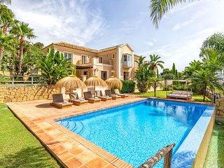 Villa Los Monteros