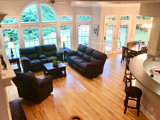 Spacious beautiful house in Raleigh-Durham area