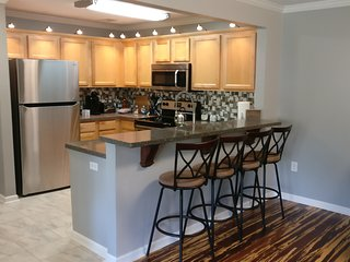 Home on the Plains - Beautiful Condo with short walk to Auburn's Campus