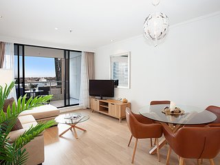 Spacious Luxury Apartment in Heart of CBD