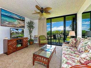 Epic West Maui View! Laundry, WiFi, TVs, Kitchen, AC, Ceiling Fans–Kamaole