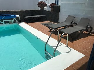 3 Bedroom Villa with Private Pool, Balcony with Sea Views, Located Los Colorados