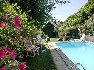 L'Oustalou Maison de charme en Auvergne avec piscine privée