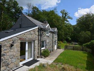 76405 Cottage situated in Dolgellau (5mls N)