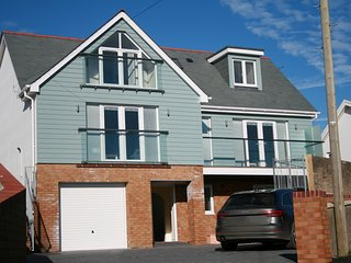 76483 House situated in Appledore