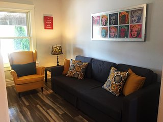 SPECIAL RATE - NEW CLEAN Niagara Cozy Home 5min to Clifton Hills & Casino.