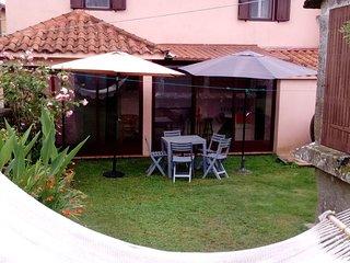 Casa Rural La Brontë (Forcarei, Pontevedra) Ecuador entre Orense y Santiago