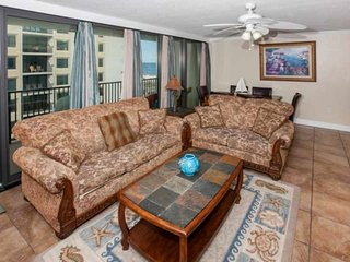 3/2 Condo w/Gulf Views, Slps 10, Blcny, W/D, WiFi, Pool, Free Activities - Islan