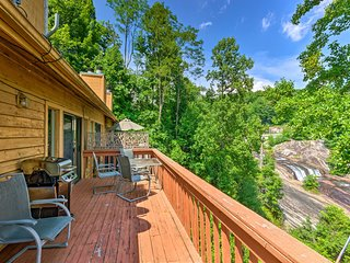 NEW! Lake Toxaway Condo w/Deck & Waterfall Views!