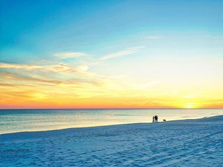 Tropical Paradise  Luxurious Miramar Beach 4Bd Home!