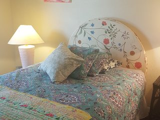 Large Home Away From Home- Pet Friendly- Great for Families/Groups