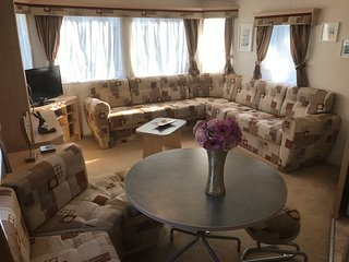 3 Bedroom Caravan (KG37), Shanklin, Sleeps 6-8, Pet Friendly