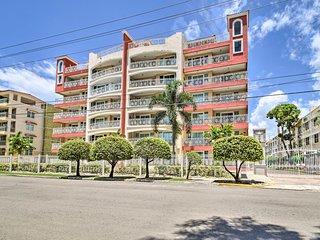 Condo w/ Balcony - Walk to Playa Dona Lala!