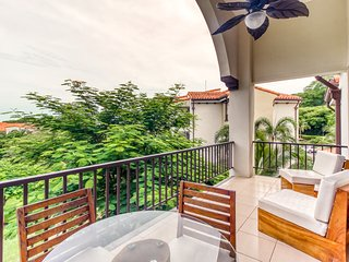Luxurious, family-friendly condo with shared pool in Playas del Coco