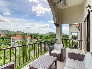 Luxury condo with amazing mountain view, balcony & shared pool!