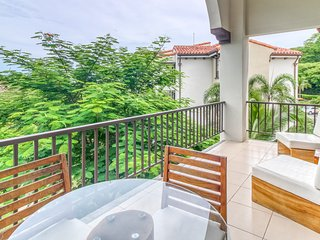 Modern condo in Playas del Coco w/ shared pool and gated entrance