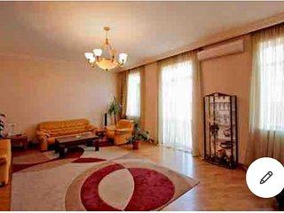 Tumanyan 21- modern apartment.