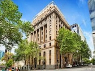 For The Love Of Art! Revel In This Decadent Elegant Art Deco Condo in Melb CBD